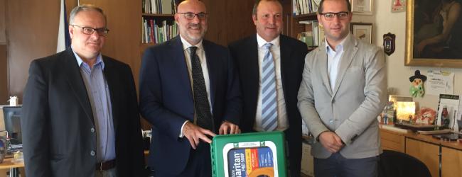 Ancos – Confartigianato dona un defibrillatore al Tennis Chieti