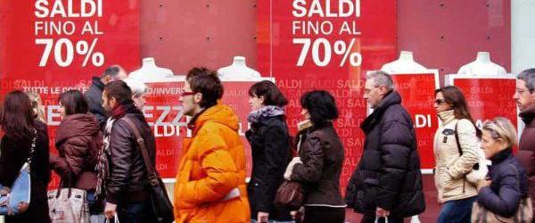 La Regione Abruzzo fissa le date dei saldi: quelli invernali al via il 5 gennaio